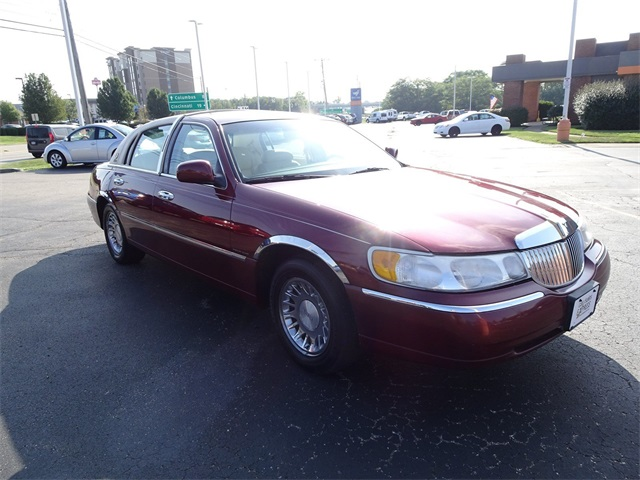 Pre-Owned 1998 Lincoln Town Car Cartier RWD 4D Sedan